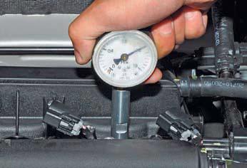 Проверка компрессии в цилиндрах двигателя Хендай Солярис