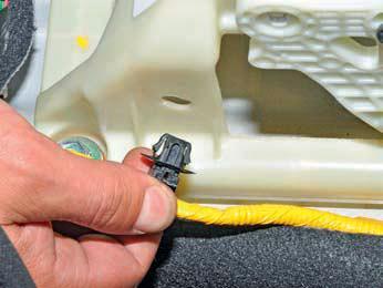 Снятие и установка механизма управления коробкой передач Хендай Солярис