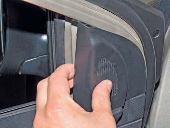Снятие наружного зеркала заднего вида Hyundai Solaris