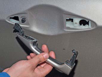 Снятие наружной ручки задней двери Hyundai Solaris