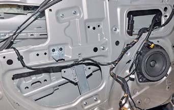 Снятие стеклоподъемника передней двери Hyundai Solaris