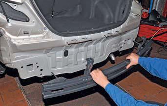 Снятие заднего бампера Hyundai Solaris