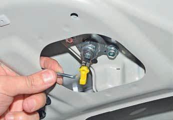 Замена замка крышки багажника Hyundai Solaris
