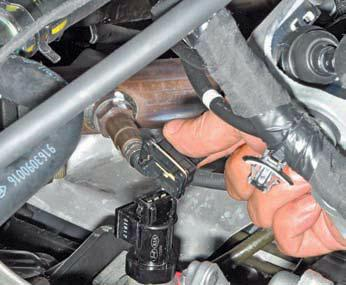 Снятие датчика скорости автомобиля Хендай Солярис