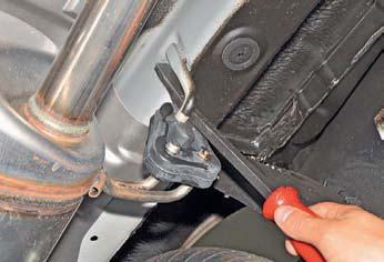 Замена подушек подвески системы выпуска отработавших газов Хендай Солярис