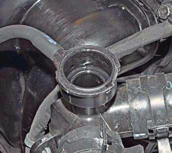 Проверка уровня и доливка охлаждающей жидкости Хендай Солярис