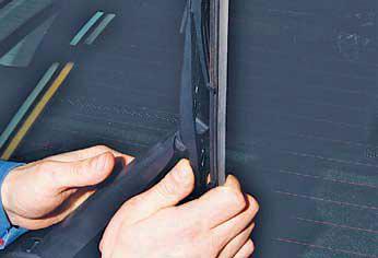 Замена щеток очистителей ветрового стекла и стекла двери багажного отделения Хендай Солярис