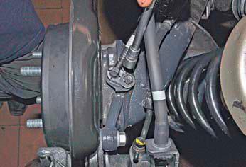 Снятие датчиков скорости вращения колес Хендай Солярис