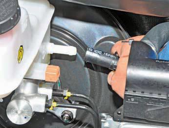 Снятие главного тормозного цилиндра Хендай Солярис